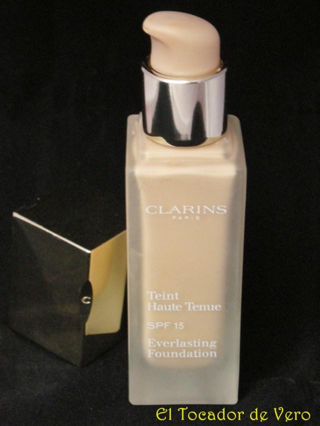 Detalle del dosificador base de maquillaje teint haute tenue de clarins