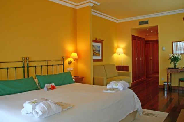Habitaciones junior suite, la mía era igual pero pintada en azul, una monada - imagen sacada de su web