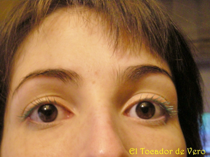 Volume lash x 3 de Miss Cop - detalle del maquillaje 1