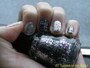 China Glaze - Pizzazz