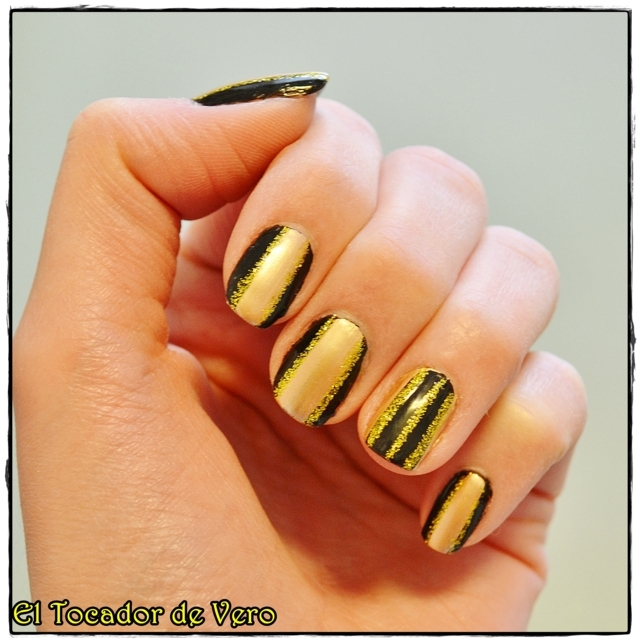 black and gold stripes 4 (FILEminimizer)